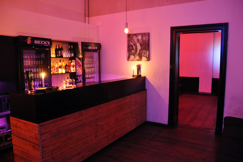 bar-floor-one